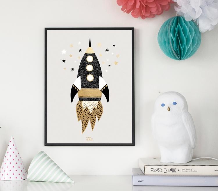 space-ship-in-black-frame-web